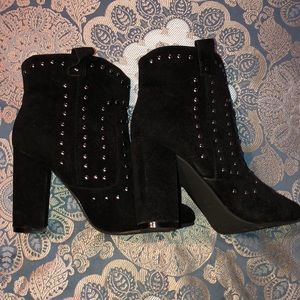 🖤Black Studded Cowboy Booties🖤